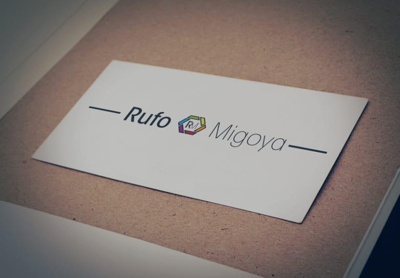 Logotipo para el fotógrafo Rufo Migoya 0