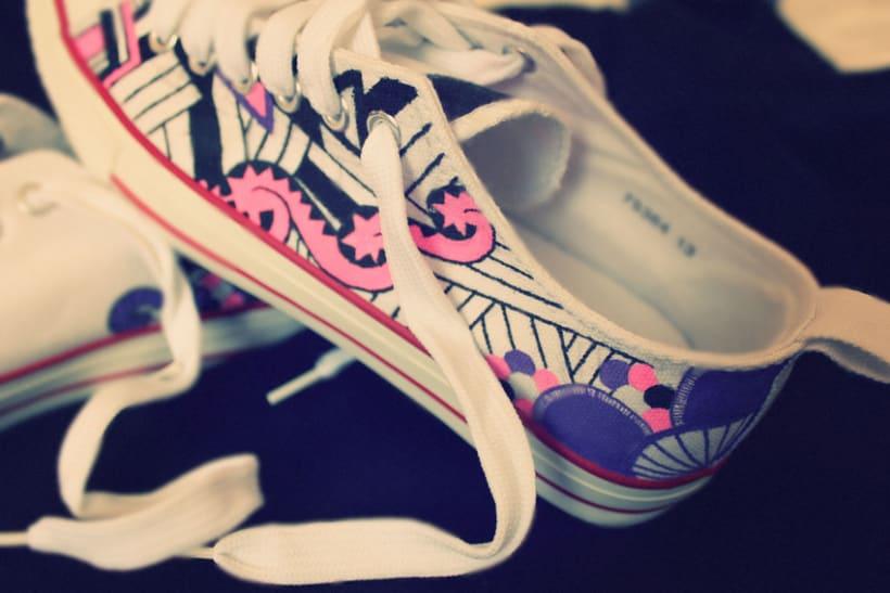 Doodle sneakers 0