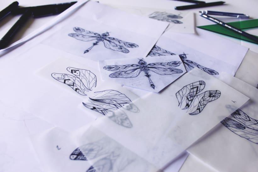 Diseño de mi propio tatuaje: libélula modernista 2