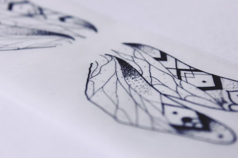 Diseño de mi propio tatuaje: libélula modernista 4