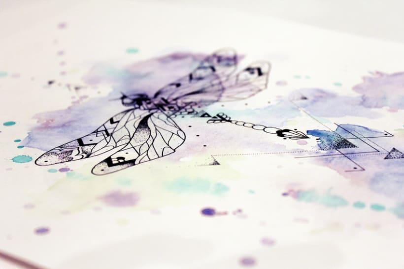 Diseño de mi propio tatuaje: libélula modernista 8