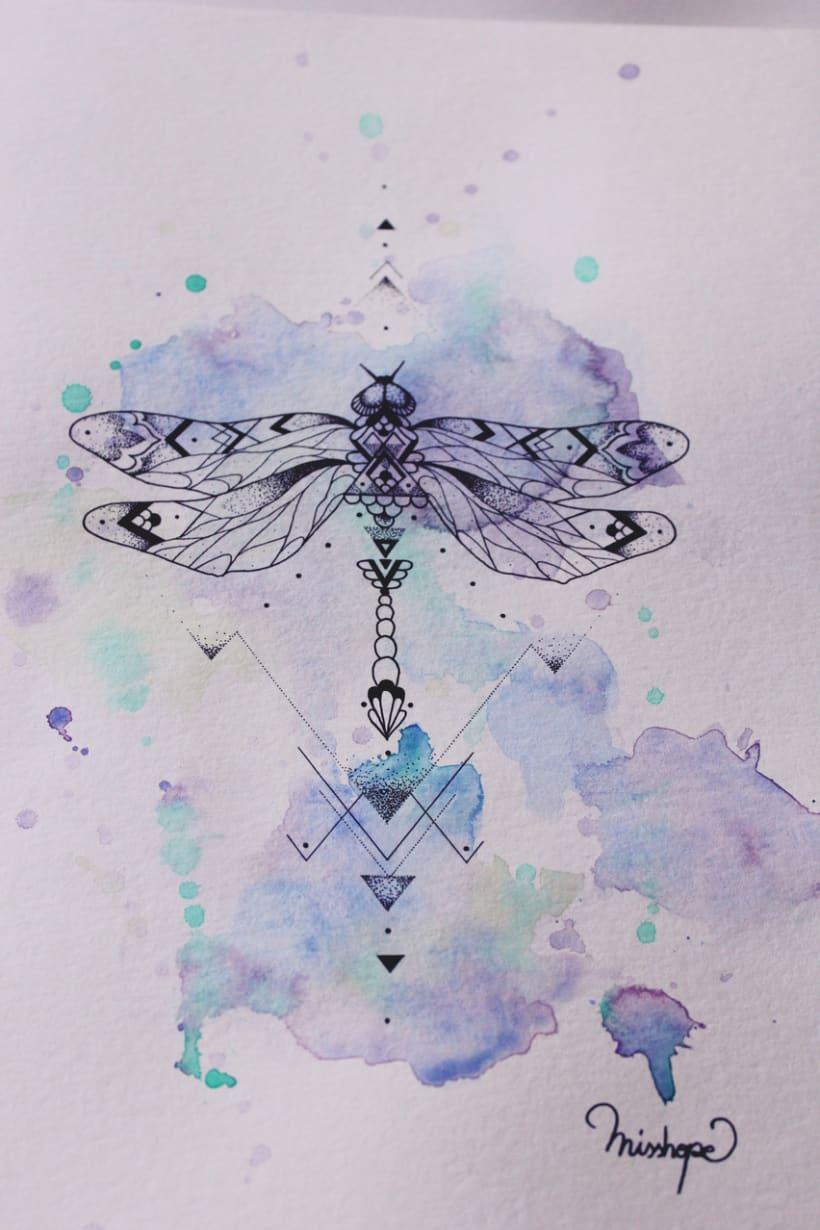 Diseño de mi propio tatuaje: libélula modernista 10