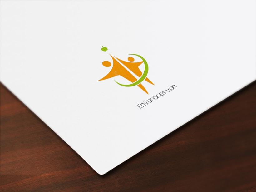 Logotipo entrenador personal 0