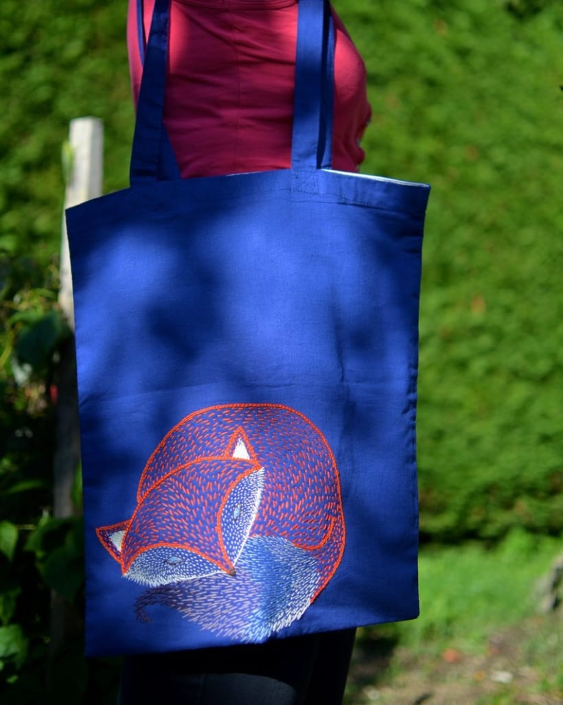Hand-made embroidered bags 7
