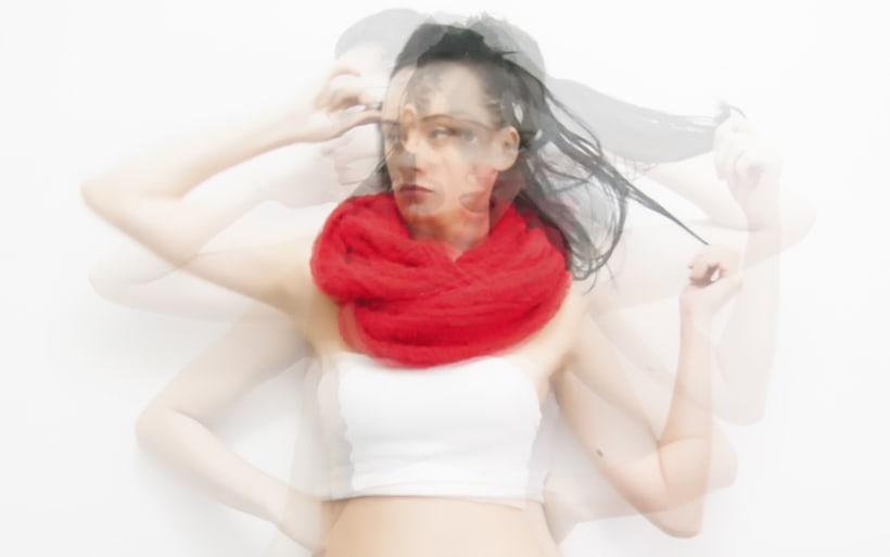 Red Scarf/ Fotografía 1