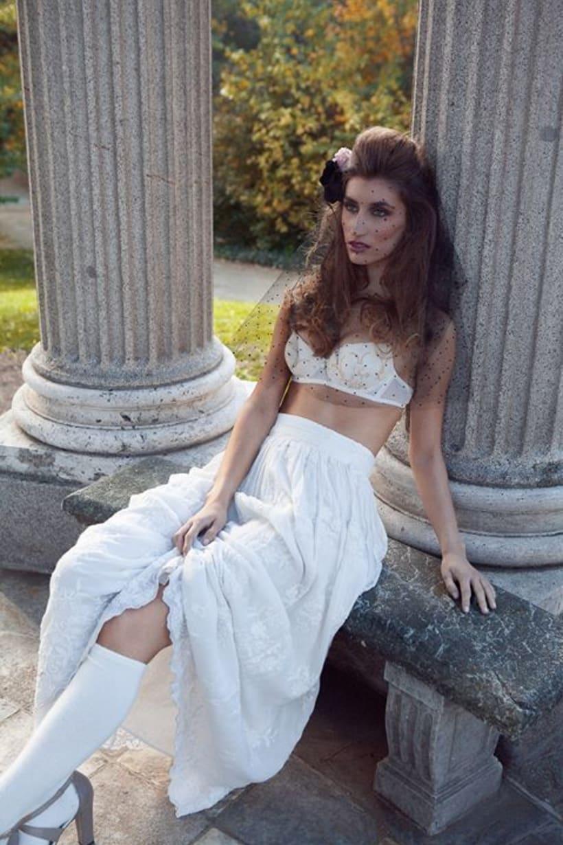 Hedonism con Lara Curz 1