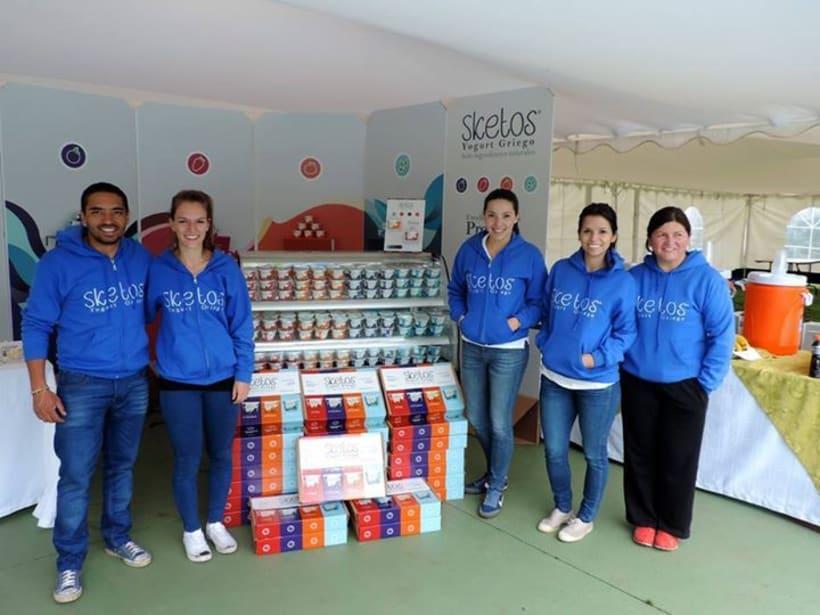 """Sketos """"Yogurt Griego"""" / Stand Jóvenes Empresarios 0"""