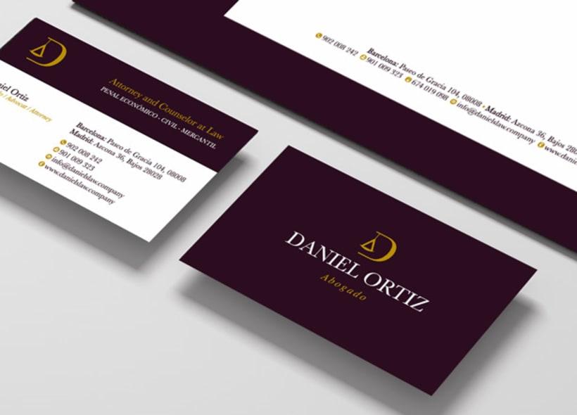 Diseño de logotipo y papelería para Daniel Ortiz, un abogado penalista con despacho en Madrid y Barcelona. Está especializado en derecho penal tanto de empresa como particulares. -1