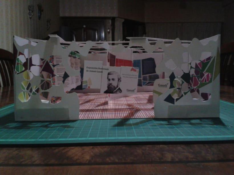 Stand tridimencional - Antoni Gaudí 0