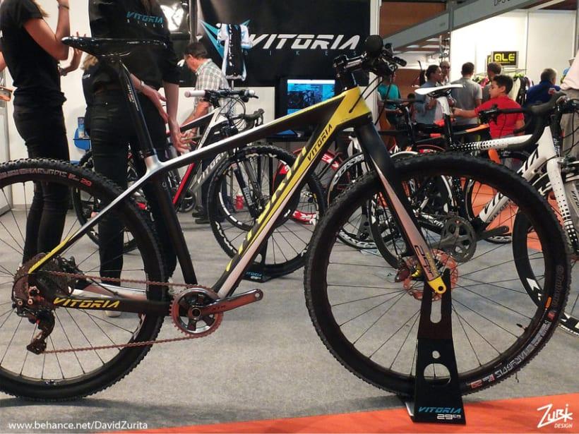Vitoria bikes dise o de calcas al agua para bicicletas for Disenos para bicicletas