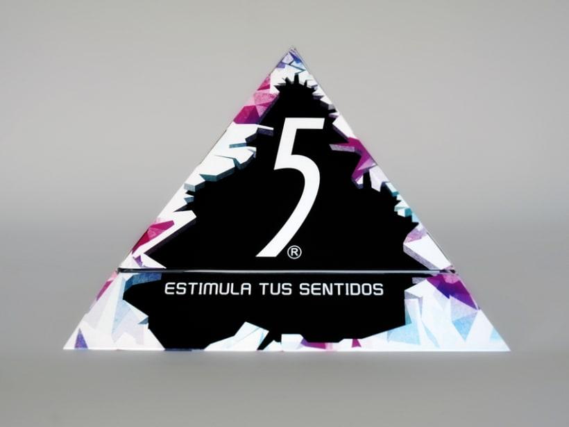 Diseño caja vendedora lanzamiento Five Celsius -1