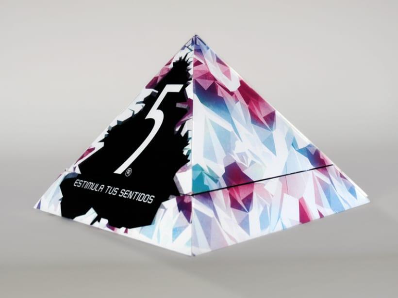 Diseño caja vendedora lanzamiento Five Celsius 0