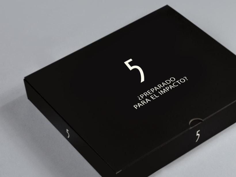 Caja vendedora lanzamiento Five Zephyr -1