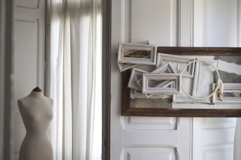 """""""Hombre Ambivalente"""". Montaje Técnica Mixta Collage Arte. Fotografía, madera, papel manuscrito, bastidor con tejido. Técnica Upcycling. 2"""