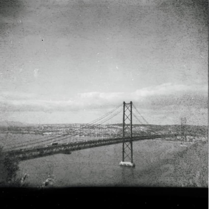 Lisbon B&W (Holga - Lomography) 1