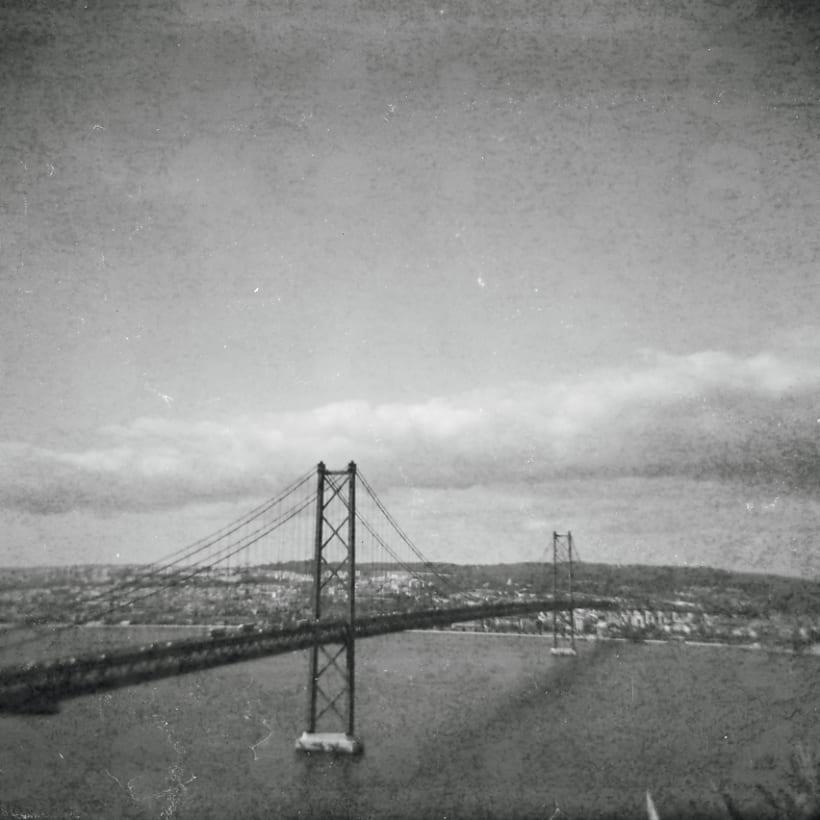 Lisbon B&W (Holga - Lomography) 4