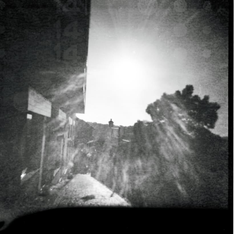 Lisbon B&W (Holga - Lomography) 9