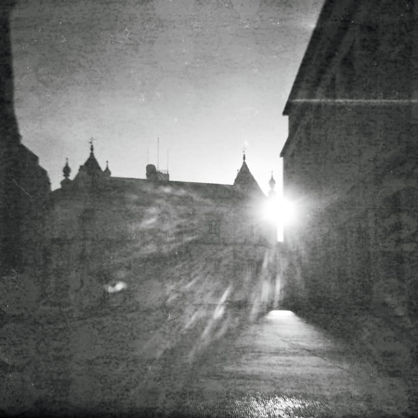 Lisbon B&W (Holga - Lomography) 10