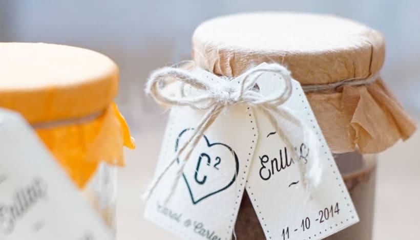 Diseño de trajetas para packaging de boda 5