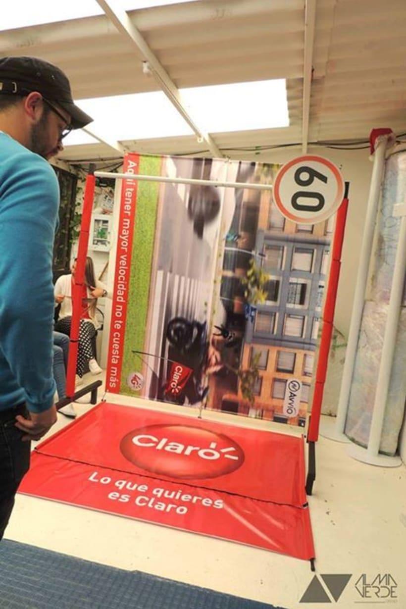 Agencia Visual Gloow / Claro Avvio - Stands armables en cartón 3