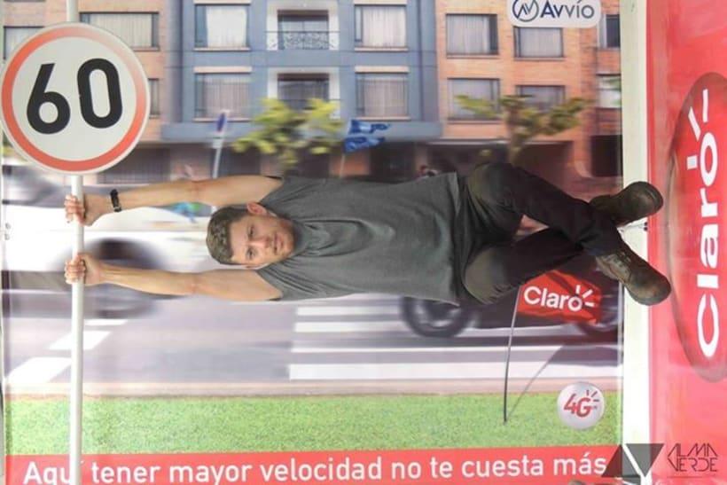 Agencia Visual Gloow / Claro Avvio - Stands armables en cartón 5