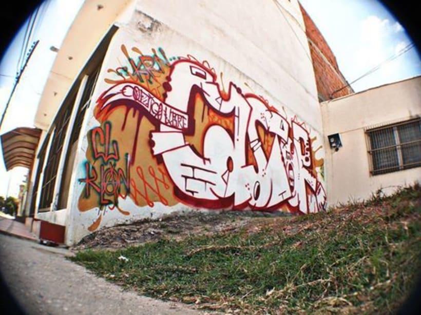 GRAFFITIS DE AYER Y HOY!!  0