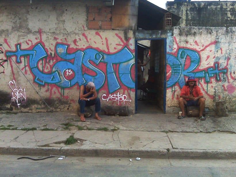 GRAFFITIS DE AYER Y HOY!!  3