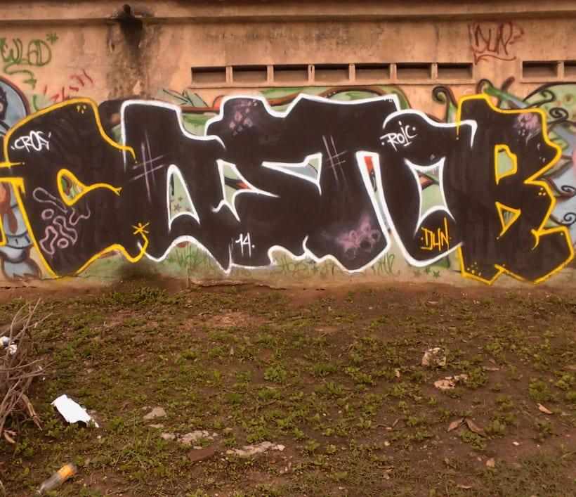 GRAFFITIS DE AYER Y HOY!!  9