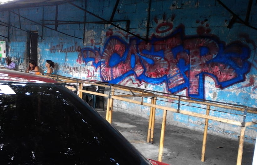 GRAFFITIS DE AYER Y HOY!!  10