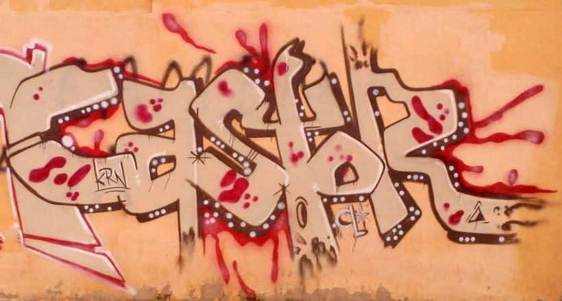 GRAFFITIS DE AYER Y HOY!!  16