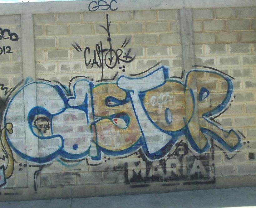 GRAFFITIS DE AYER Y HOY!!  18