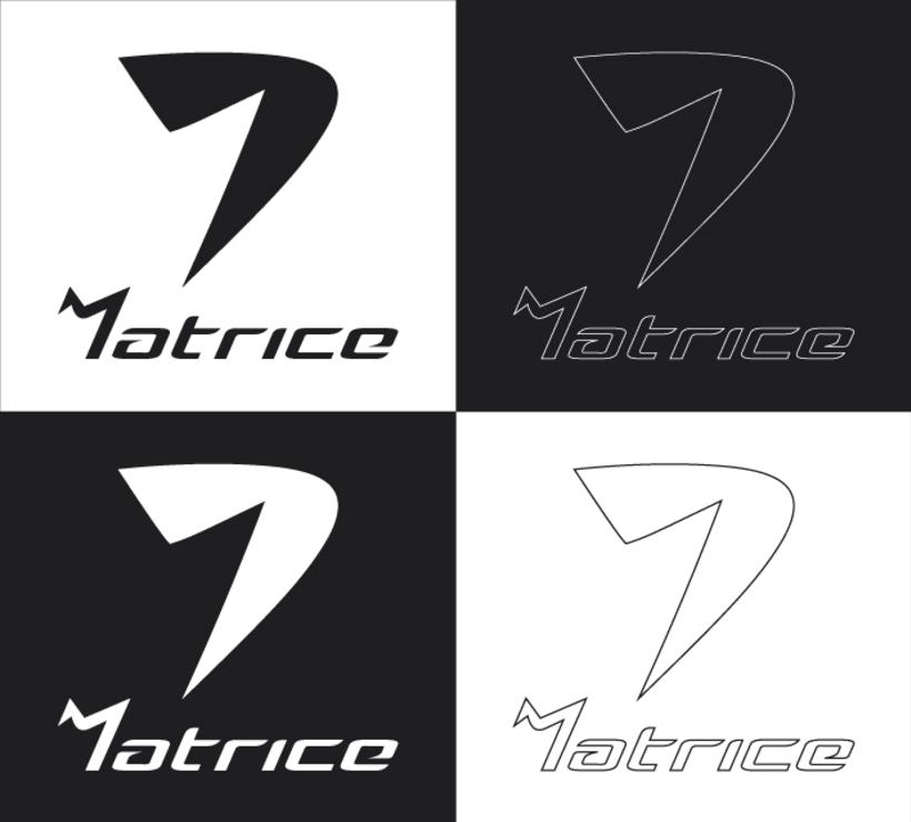 Logotipo de ropa deportiva: MATRICE. 7