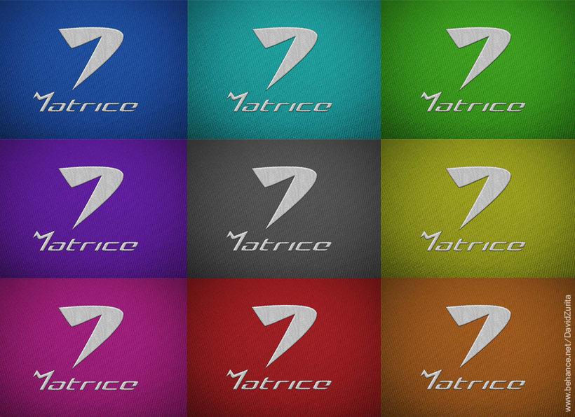 Logotipo de ropa deportiva: MATRICE. 9