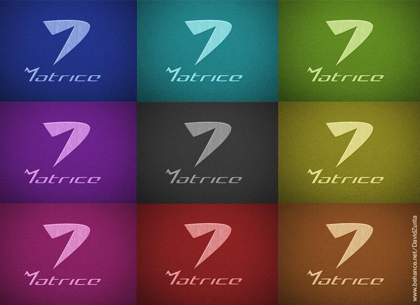 Logotipo de ropa deportiva: MATRICE. 11