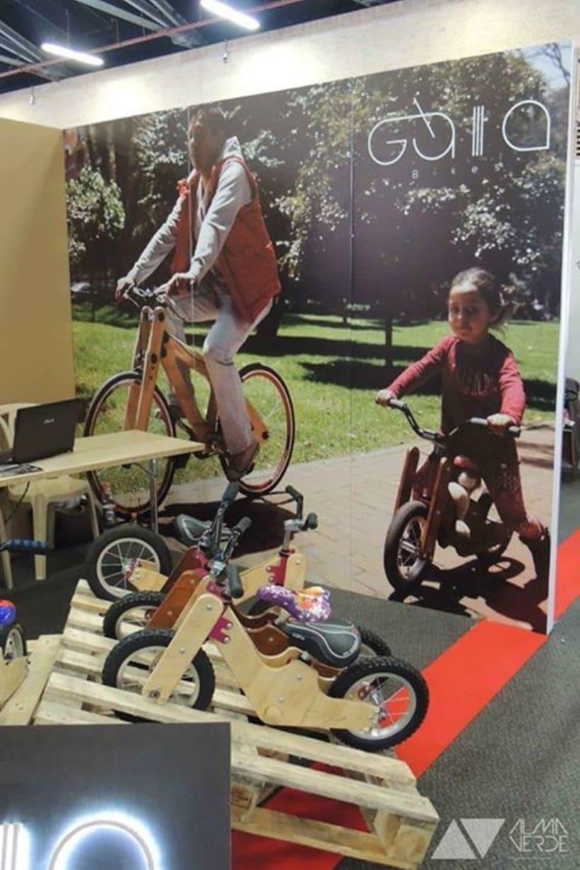 Gaia Bikes - Exhibición para Jóvenes Empresarios 2015 1