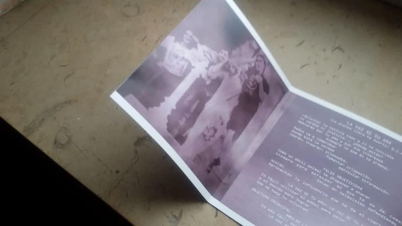 Libreto y carátula de CD 2