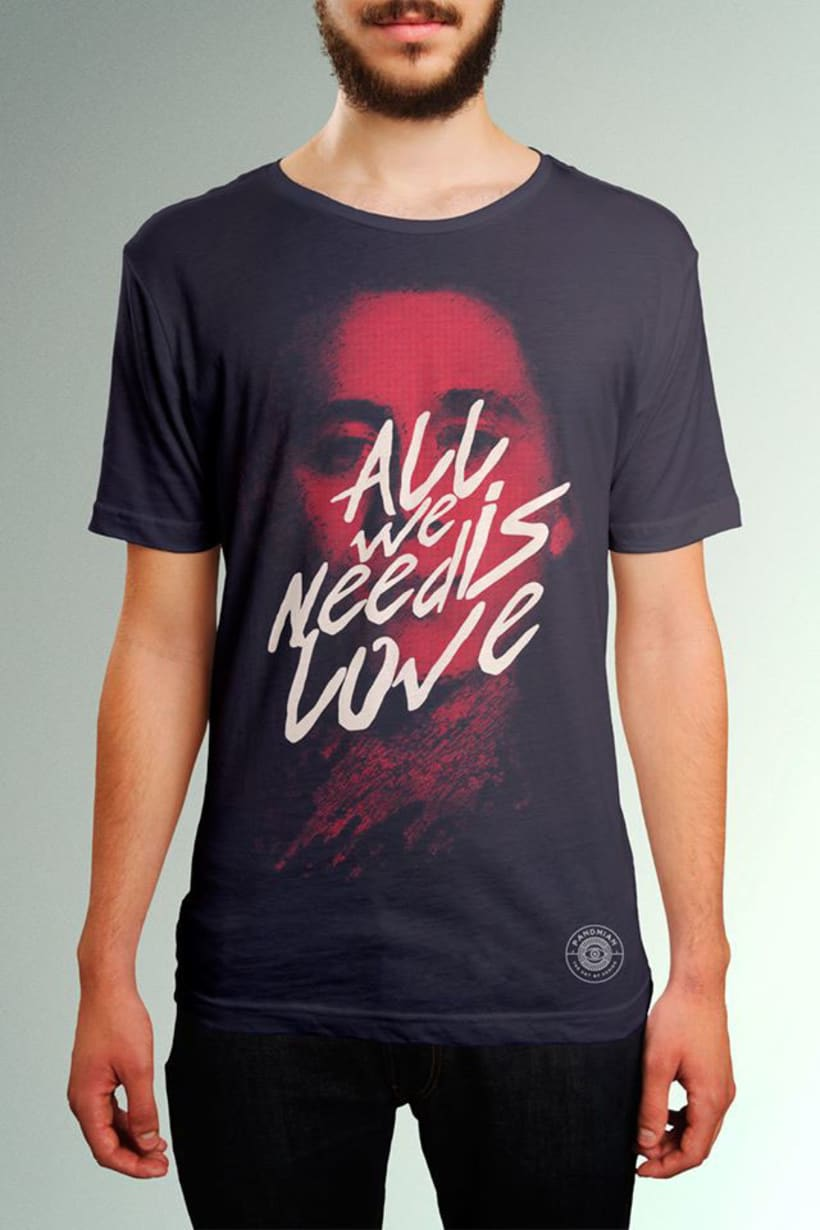 """Pandmian / T-shirt """"All we need is love"""" -1"""