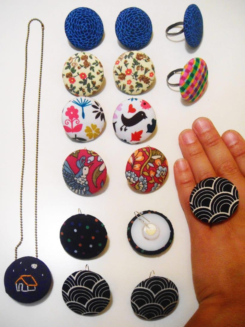 Piedras y Botones 19