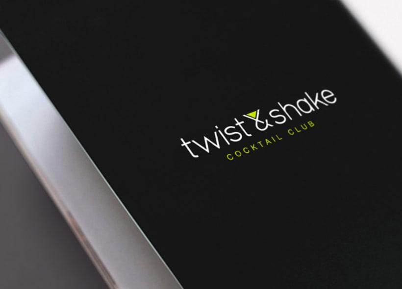 Diseño de logotipo para Twist&Shake, una coctelería ubicada en San Sebastián con un ambiente muy moderno y acogedor donde se puede disfrutar de una amplia carta de cócteles. -1
