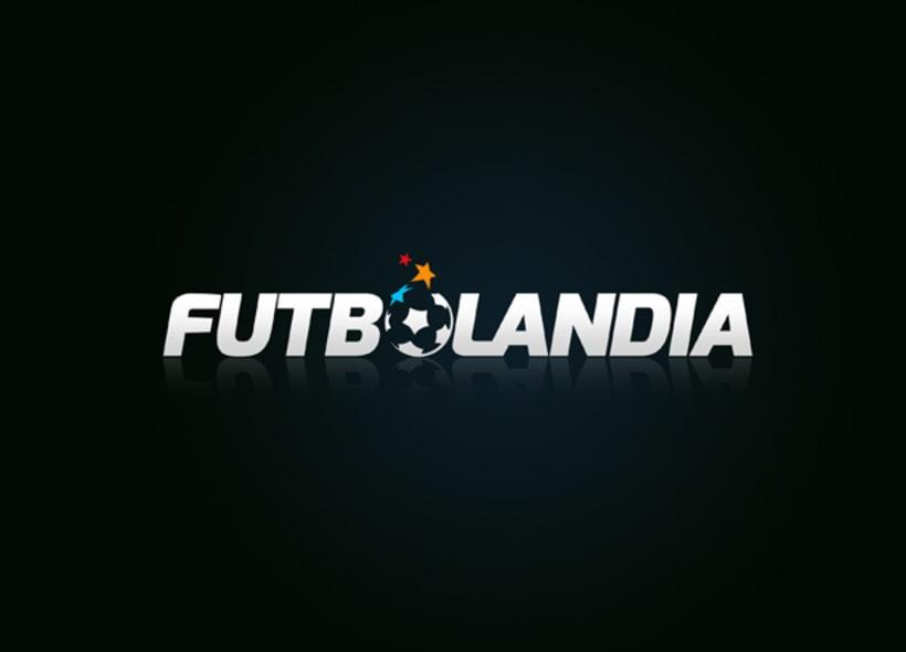 Futbolandia es el nombre de una tienda que vende toda clase de artículos relacionados con el mundo del fútbol: uniformes, calzado, balones y todo tipo de accesorios. -1