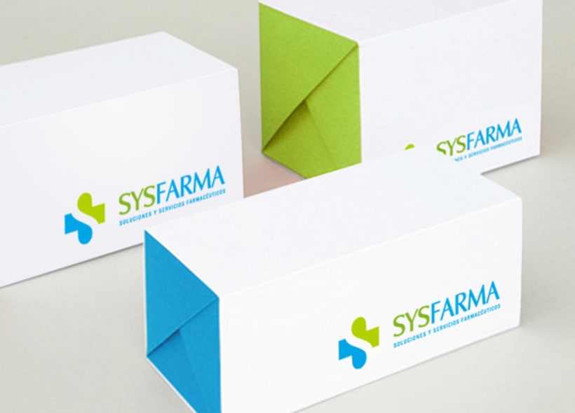 Diseño de logotipo para Sysfarma, una empresa que ofrece servicios profesionales a farmacias como asesoramiento fiscal, de gestión y de marketing. -1