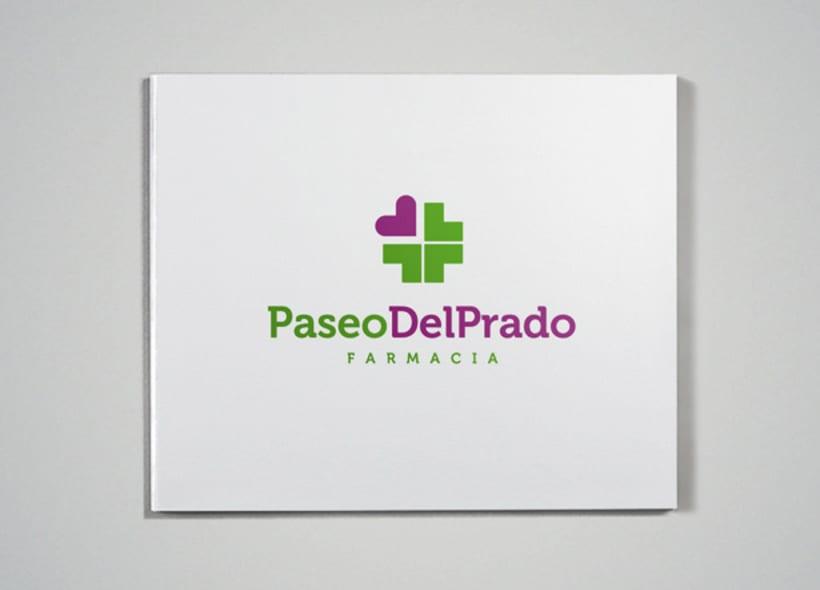 Logotipo para farmacia madrileña situada en el entorno del Museo del Prado. El icono se basa en la estructura en cuadrícula de los edificios de esa zona del ensanche madrileño.  -1