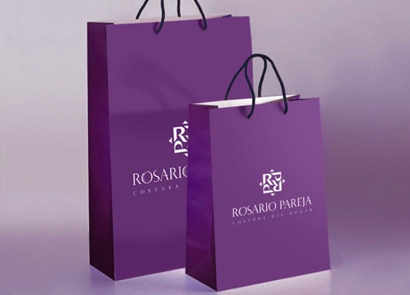 Logotipo para Rosario Pareja, una tienda especializada en elementos de costura para el hogar como cortinas, mantas, fundas de sofá, cojines y todo tipo de elementos textiles pensados para la decoración. -1