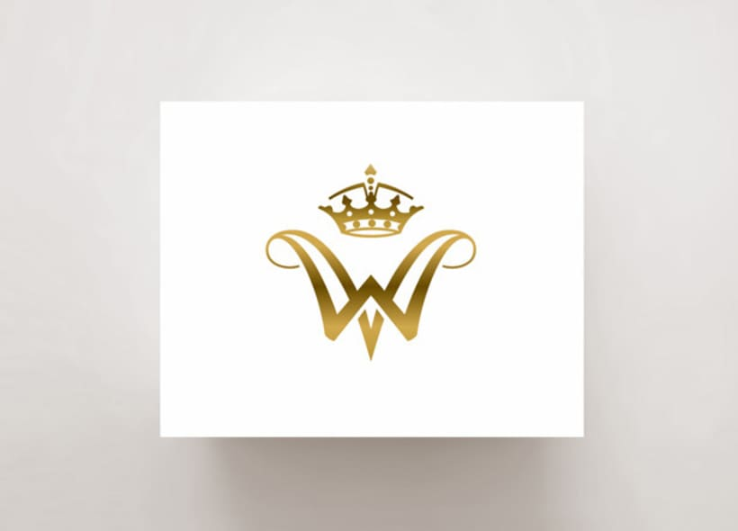 diseño de logotipo para una marca de productos premium y de lujo: marroquinería, piel y también habanos de altísima clase. Nuestro cliente esperaba que el diseño reflejase la idea de excelencia y elitismo. -1
