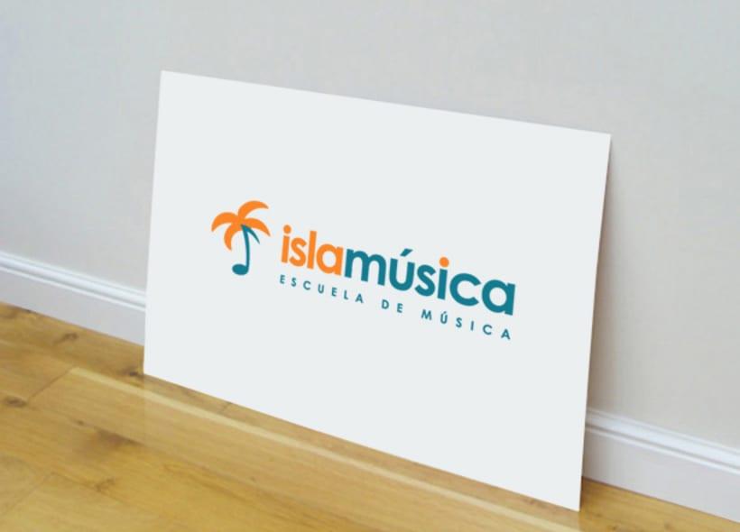 Diseño de logotipo para Islamúsica, una escuela de música ubicada en la localidad de La Isla de San Fernando (Cádiz) que además ofrece servicios de alquiler de locales de ensayo, alquiler de equipos, estudio de grabación, etc... -1