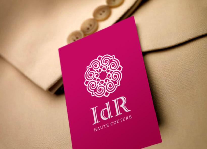 Diseño de logotipo para IDR, una firma de alta costura ubicada en Casa Blanca (Marruecos). El icono es una composición floral con reminiscencia nazarí delicada y elegante. -1