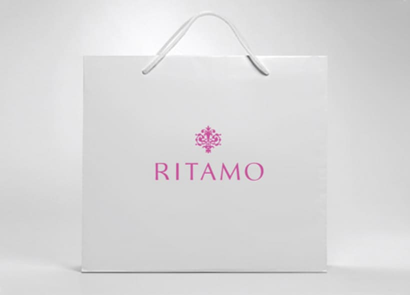 Logotipo para Ritamo, una boutique ubicada en la milla de oro madrileña donde se venden artículos multimarca de alta calidad como bolsos, bisutería, fulares, sombreros, gafas, relojes, etc... -1