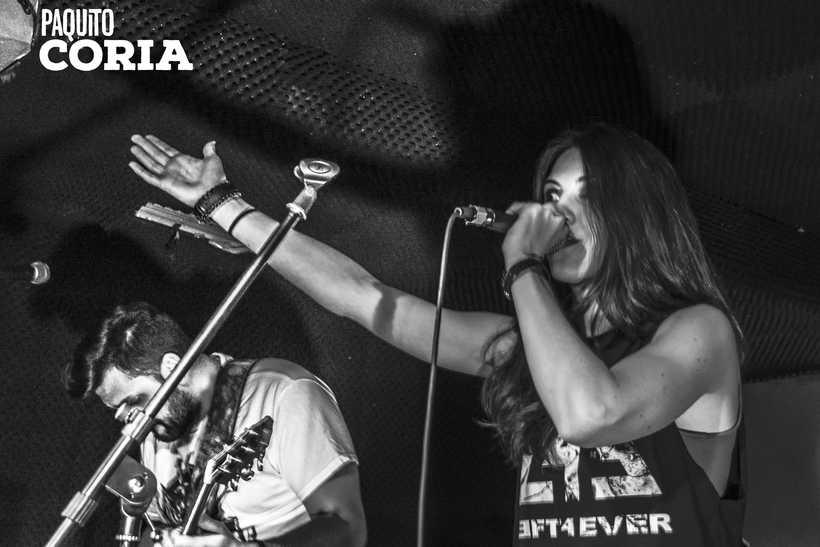 BARRACUDAS ROCK BAR - TAXUS & LEFT FOREVER 2