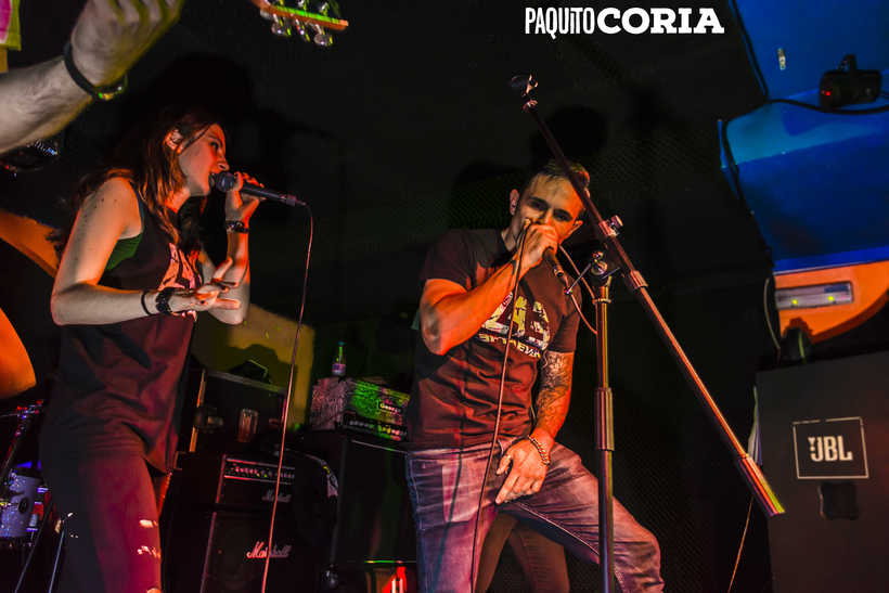 BARRACUDAS ROCK BAR - TAXUS & LEFT FOREVER 3