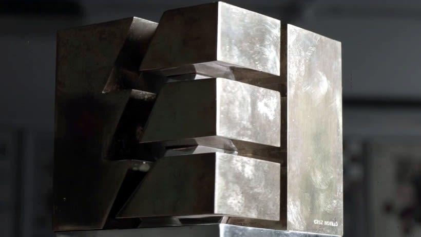 Esculturas corporativas: identidad tridimensional 22